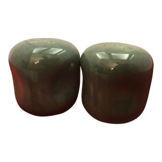 1950 Russel Wright Salt & Pepper Shakers - a Pair For Sale
