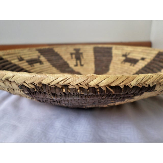1960s Indian Native American Kumeyaay Mission Tribal Basket For Sale - Image 5 of 10