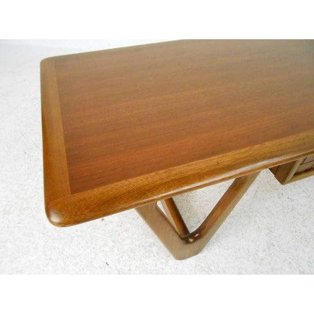 1970s Vintage Walnut Coffee Table by Warren Church for Lane For Sale - Image 5 of 6