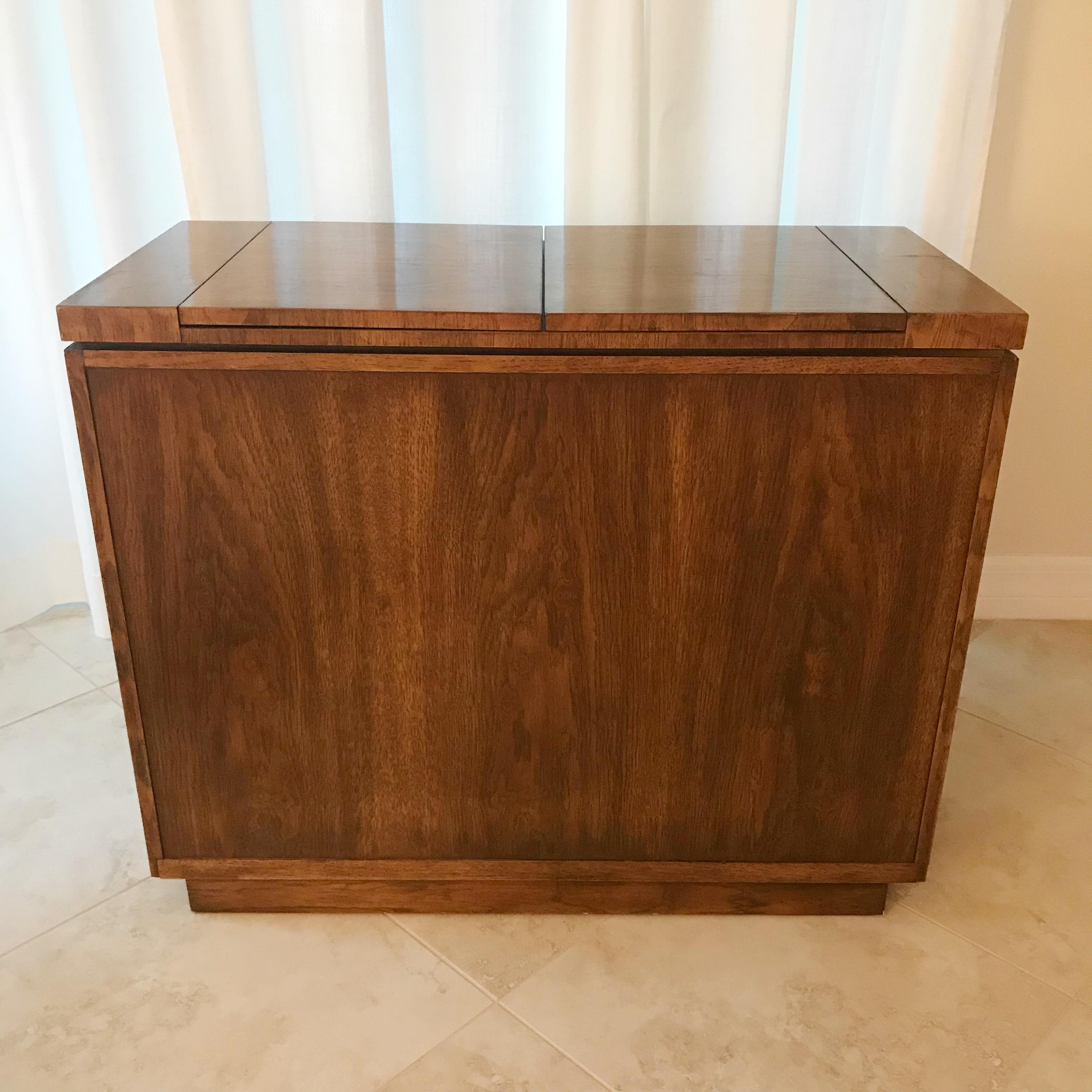 1970s Scandinavian Drexel Dry Bar Server Cabinet For Sale In Orlando    Image 6 Of 11