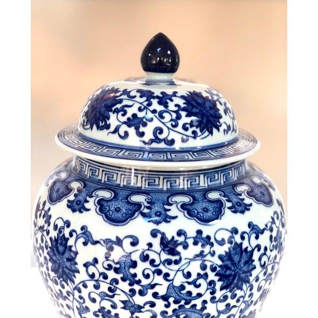 "Ceramic Blue and White Large Porcelain Ginger Jar With Lid, 16"" Urn For Sale - Image 7 of 12"