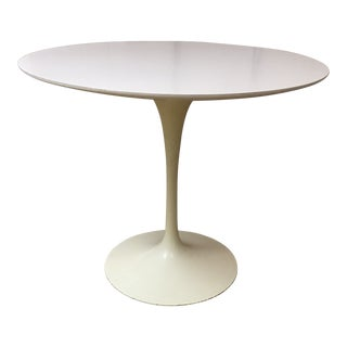 Authentic Eero Saarinin for Knoll Tulip Pedestal Table For Sale
