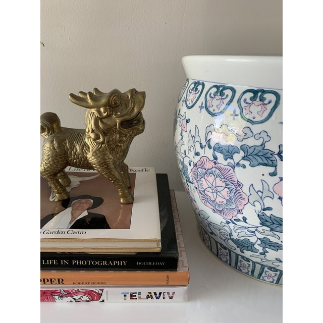 White 1970s Chinoiserie Porcelain Vase For Sale - Image 8 of 9