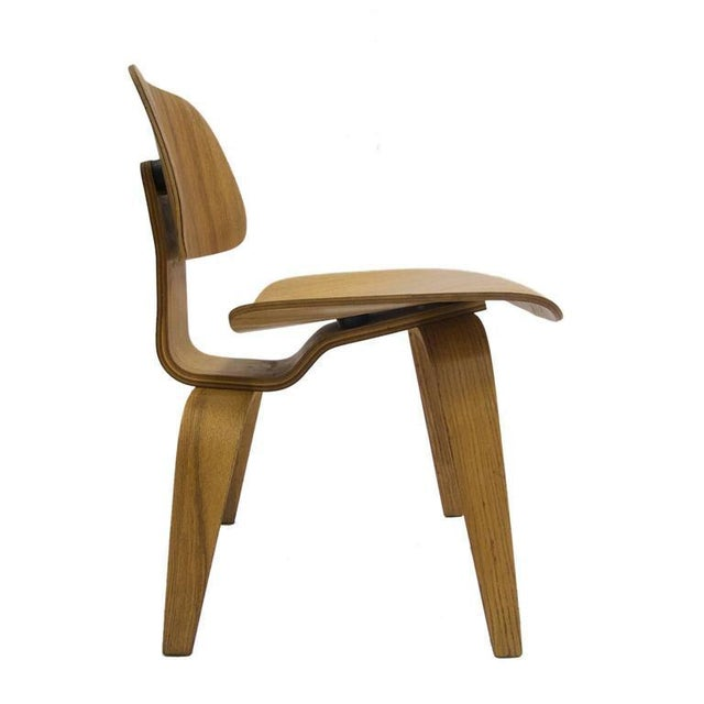 Very nice condition early 1950s DCM chair in oak. All original condition. Great example. Great original example in very...