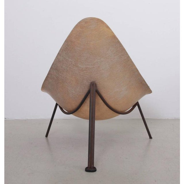 Mid-Century Modern Early French Fiberglass Lounge Chair in Parchment by Ed Merat, France, 1956 For Sale - Image 3 of 8