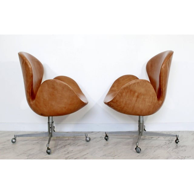 Mid-Century Modern Mid-Century Modern Arne Jacobsen Frtiz Hansen Swivel Leather Swan Chairs - a Pair For Sale - Image 3 of 7