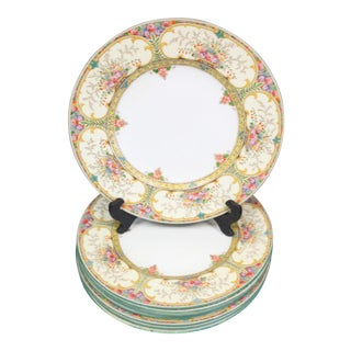 Wedgwood Dinner Plates - set of 8 For Sale