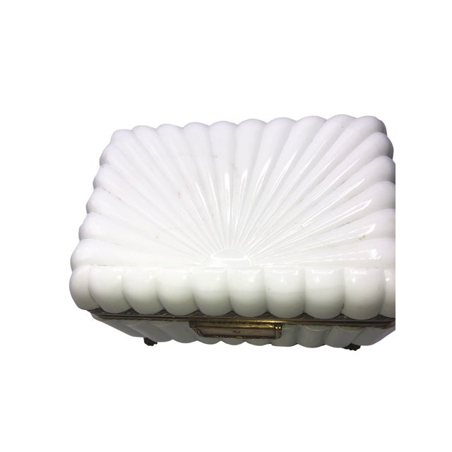 1950s French White Opaline Glass Box For Sale In Dallas - Image 6 of 11