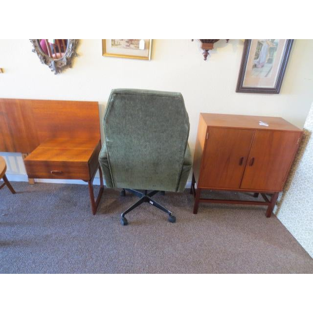 C. 1970s Green Office Chair For Sale - Image 4 of 7
