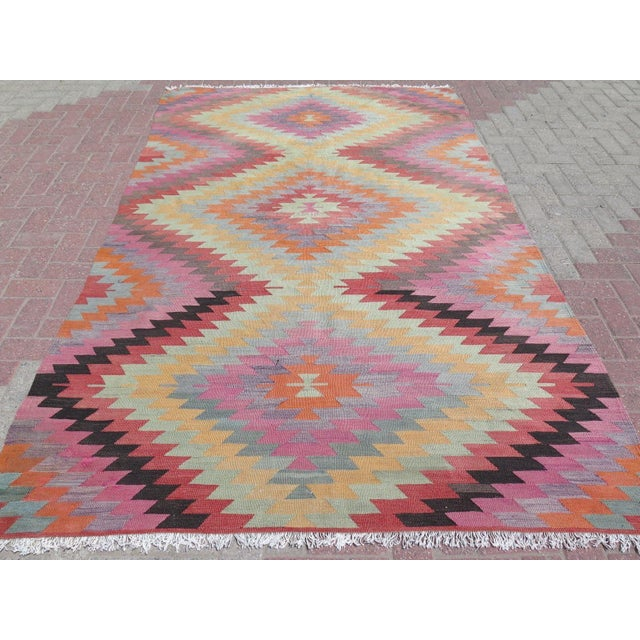 "Boho Chic Vintage Turkish Kilim Rug - 5'9"" X 9'3"" For Sale - Image 3 of 11"