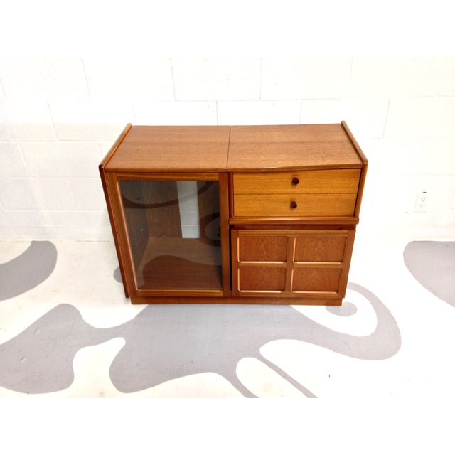 Nathan Glass Fronted Teak Cabinet With Shelves - Image 3 of 7