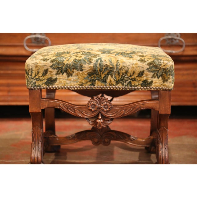 19th Century French Louis XIII Carved Walnut Stool from the Perigord For Sale In Dallas - Image 6 of 8