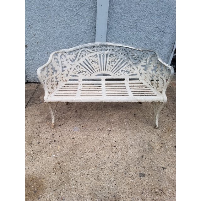 Cast Iron Antique Garden Bench We found this very nice cast iron garden bench with a very different leaf pattern. This...