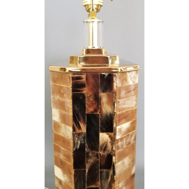 Karl Springer Vintage Tessellated Horn and Lucite Brass Table Lamp For Sale - Image 4 of 13