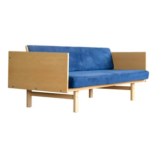 Danish Modern Hans Wegner Daybed Model 259 in Beech for Getama For Sale