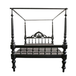 Antique Colonial Canopy Bed For Sale