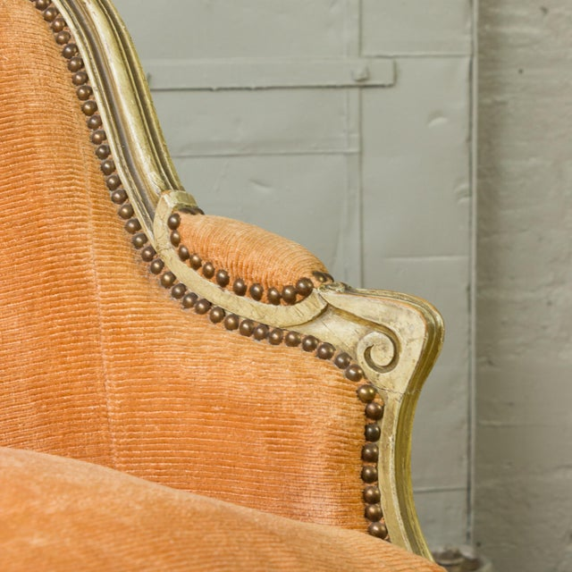 Small French Louis XV Style Settee in Pale Apricot Velvet For Sale - Image 4 of 11