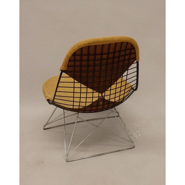 1950s Early and Original Charles and Ray Eames Lkr Chair on Zinc Cats Cradle Base For Sale - Image 5 of 8
