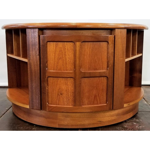 Mid Century Modern Man Cave /Bookcase/Bar / Storage Coffee Table By: Nathan For Sale - Image 13 of 13
