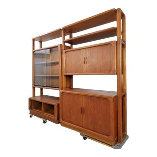1960s Dyrlund Modular Shelving Unit With Lighted Bar For Sale