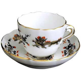 Mid-19th Century Chinese Meissen Black Dragon Red Accent Demitasse Cup and Saucer - 2 Piece Set For Sale