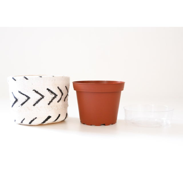1960s Vintage African Textile White Chevron Mudcloth Planter For Sale - Image 5 of 6