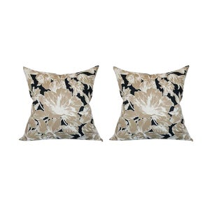 Vintage Floral Throw Pillows For Sale