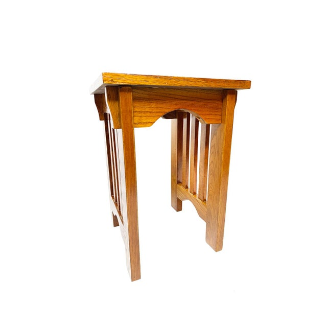 Antique Mission / Arts and Crafts / Craftsman solid oak slatted stool. This beautiful piece exhibits quality craftsmanship...