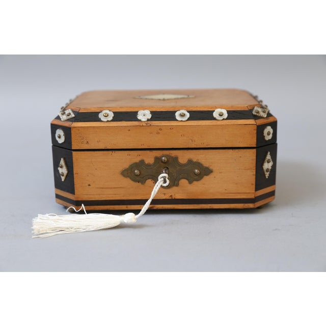 French Satin Wood & Mother of Pearl Box, Lock & Key For Sale In Houston - Image 6 of 8