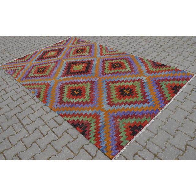 Turkish Wool Zig-Zag Kilim - 5′9″ × 9′7″ - Image 9 of 9