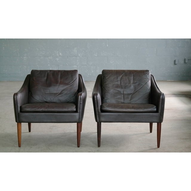 Wood Hans Olsen Pair of Danish Lounge Chairs in Brown Leather and Rosewood Legs For Sale - Image 7 of 13