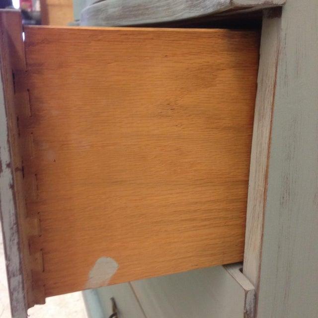 1950's Serpentine 4 Drawer Dresser - Image 4 of 5