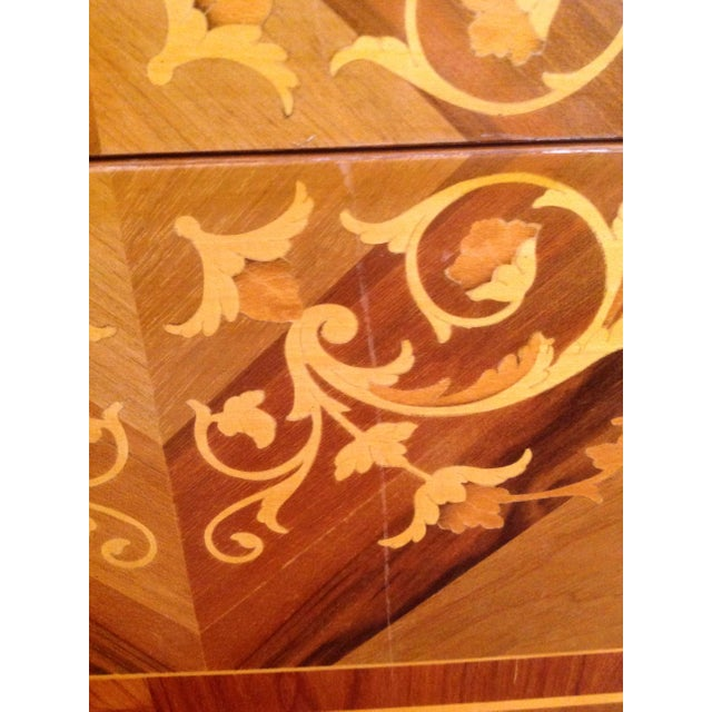1960s Inlaid Italian Neoclassic Commode For Sale - Image 11 of 13