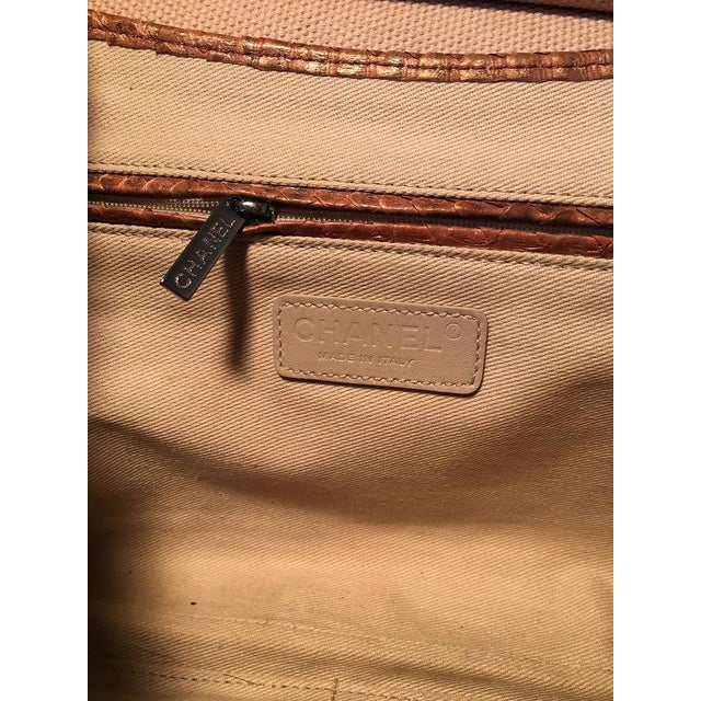 Chanel Beige Canvas and Tan Copper Snakeskin Flap Shoulder Bag For Sale In Philadelphia - Image 6 of 8