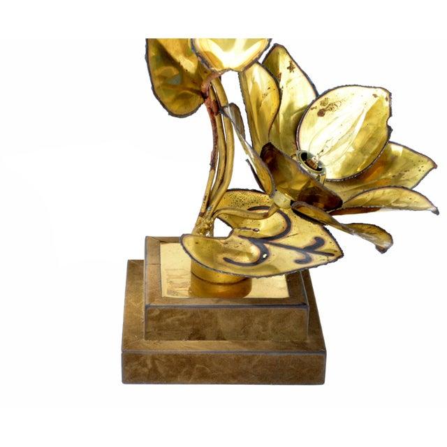 Maison Jansen French Mid-Century Modern 3 Light Cut Brass Flower Table Lamp For Sale - Image 11 of 13
