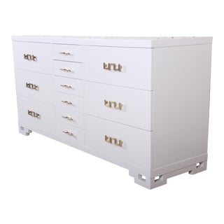 Mid-Century Modern Hollywood Regency Chinoiserie White Lacquered Twelve-Drawer Dresser or Credenza, Newly Restored For Sale