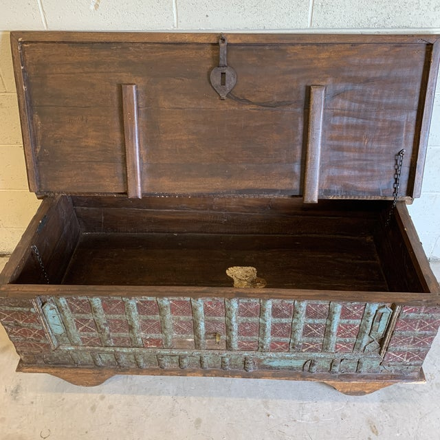 Jodang Strapped Metal Wedding Chest Trunk For Sale - Image 9 of 13