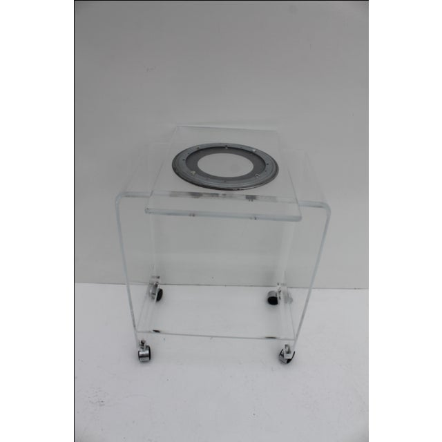 Mid-Century Lucite Swivel Top Bar Cart For Sale In Miami - Image 6 of 10