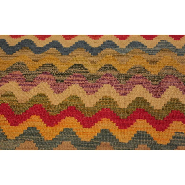 1990s Shabby Chic Abstract Oretha Ivory/Gray Hand-Woven Kilim Wool Rug -5'3 X 6'6 For Sale - Image 5 of 8