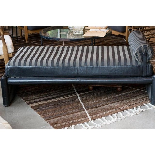 Black Fendi Daybed Chaise, Black Leather and Fendi Stripe, Italy, 1980s For Sale - Image 8 of 13