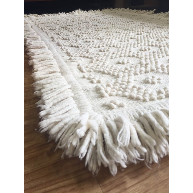 "White Wool Rug - 4'5"" x 7'1"" - Image 7 of 10"