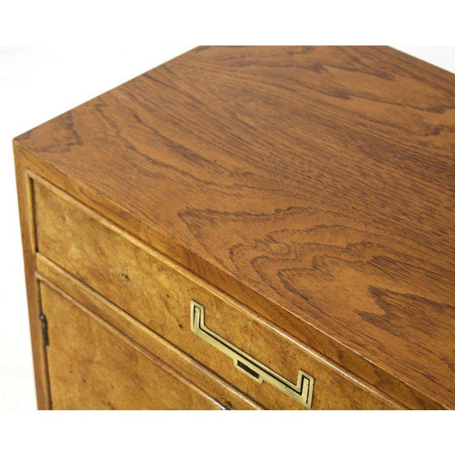 Mid-Century Modern Light Burl Wood Campaign Nightstands Bed Tables Brass Hardware - A Pair For Sale - Image 3 of 13