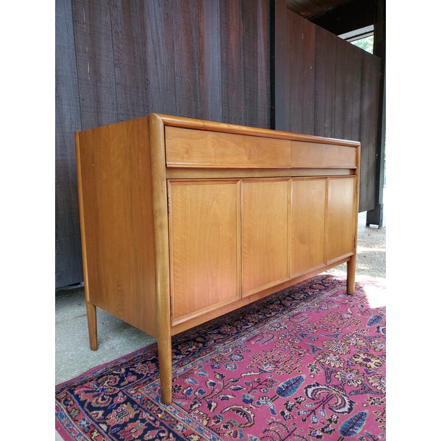 Drexel Parallel Drexel Mid-Century Modern Parallel Credenza For Sale - Image 4 of 13