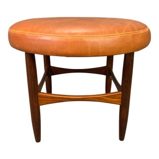 Vintage British Mid Century Modern Teak and Leather Ottoman by Kofod Larsen for G Plan For Sale