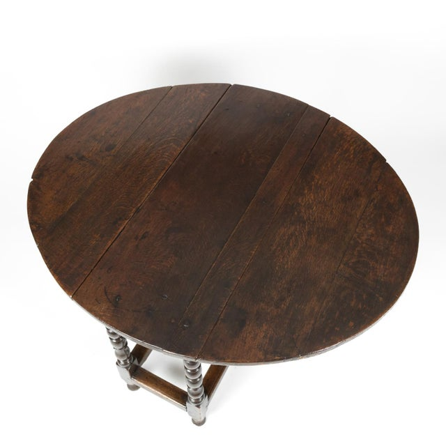 Handsome English Oak Gateleg Table With Bobbin Turned Legs, Wonderfully Rich Patination, Circa 1800. For Sale - Image 12 of 13