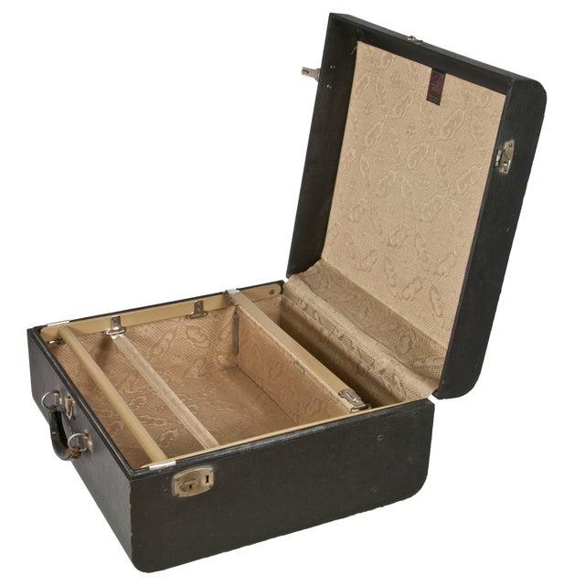 Vintage Wheary Aviatrix Travel Suitcase - Image 3 of 5