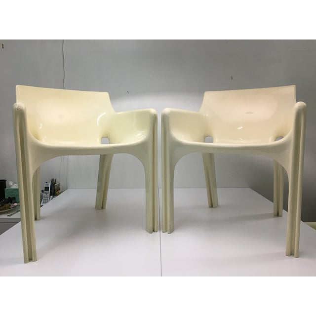 Contemporary Mid-Century Modern Gaudi Chairs by Vico Magistretti for Artemide - Set of 4 For Sale - Image 3 of 13
