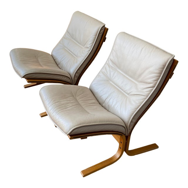 Vintage Westnofa Ingmar Relling Design Leather & Bent Wood Lounge Chairs - a Pair For Sale