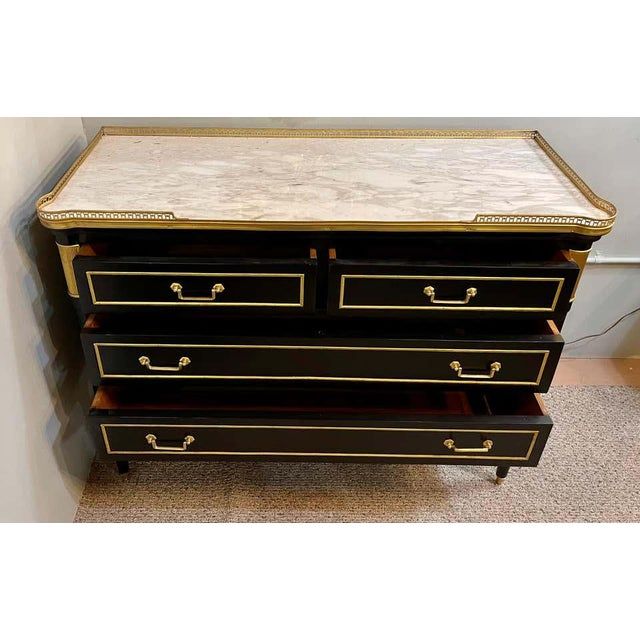 Maison Jansen Style Hollywood Regency Commodes or Chests / Nightstands a Pair For Sale In New York - Image 6 of 13