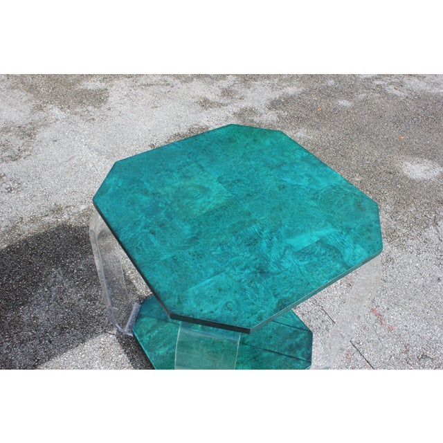 1970s Mid-Century Modern Green Emerald Burwood and Lucite Accent Table For Sale - Image 9 of 13